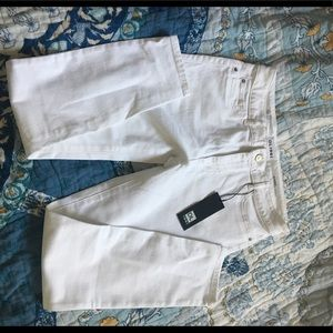 New with Tags DL 1961 white jeans sz 31
